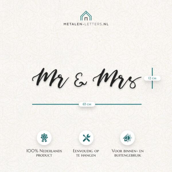Afmetingen product metalen letters 'Mr & Mrs'